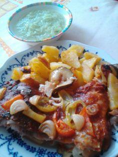 Autor a fotografovanie jedla Oksana Lyashenko Hawaiian Pizza, Food And Drink, Basket, Red Peppers
