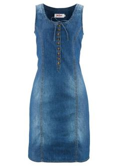 Swap jeans for this cute denim dress with a pink button panel at the front. Denim Outfits, Outfit Jeans, Jeans Dress, Womens Fashion Online, Latest Fashion For Women, Trendy Swimwear, Denim Fashion, Blouse Designs, Fashion Dresses