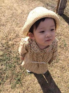 daughter of my friend Asian Kids, My Friend, Have Fun, Crochet Hats, Daughter, Around The Worlds, Babies, Board, Color