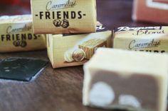 Ragusa Blond - Friends - Haselnuss-Pralinémasse in weisser Schokolade