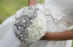 I love this bouquet!  Maybe I could do the flowers in an alternate color if I can find enough pins in similar shades.