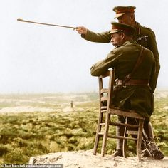 The Battle of the Somme was one of the bloodiest battles in human history and symbolised the horrors of warfare in the First World War. Ww1 Soldiers, Canadian Soldiers, British Soldier, Wwi, World War One, First World, Ww1 Battles, Brave, Battle Of The Somme