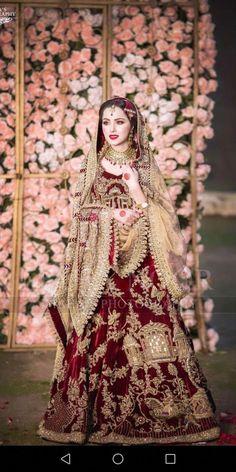 Nimra khan barat look Pakistani Party Wear Dresses, Bridal Mehndi Dresses, Bridal Hijab, Indian Bridal Outfits, Pakistani Wedding Outfits, Indian Bridal Fashion, Bridal Dress Design, Pakistani Bridal Dresses, Indian Bridal Wear