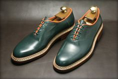 Kielman Shoes :  They have done the near-impossible...they've created a stylish man's dress shoe in GREEN that does not resemble something a 1972 PIMP would wear!  Bravo!  L.M. Ross