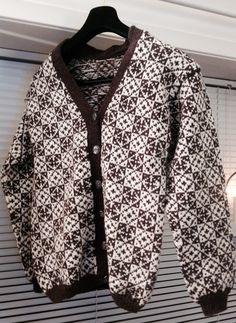 Handstrikka kofte etter gammalt mønster frå Sandnes. Voldakofta 918S. Hand Knitting, Cardigans, Sweaters, Blazer, Scandinavian, Pattern, Crafts, Fashion, Jackets