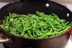 Within the Kitchen: Healthy and Easy Ginger - Garlic Green Beans