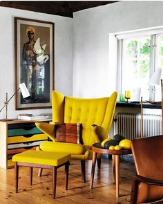 The mid-century modern decoration for your home will make your home look different. This decoration will not only give you a modern style but also interesting accent with its mid-century accent. Home Interior, Modern Interior Design, Interior Decorating, Lobby Interior, Yellow Interior, Scandinavian Interior, Chair Design, Furniture Design, Decor Inspiration