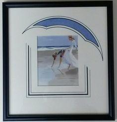 Lavis à haut arrondi Virginie Brisson Picture Wall, Picture Frames, Les Themes, Frame Shop, Custom Framing, Brisson, Photos, Crafts, Inspiration