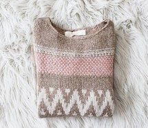 Inspiring image girly, sweater, outfit, cute, sweater weather, winter #1329765 by nastty - Resolution 400x266px - Find the image to your taste