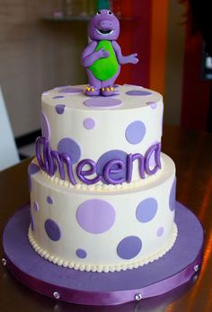 I like the simplicity of this Barney cake