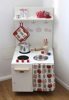 Spielküche Kinderküche diy selbst gebaut selber bauen