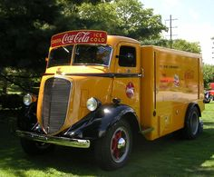 1939 Studebaker Coke truck.  Beautiful!!