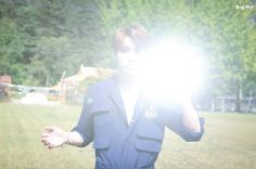 (4) JungKook brightly reflected the light from his tag