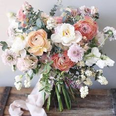 Loving the pastels and spring-y bouquet vibes! ( and photo cred: Loving the pastels and spring-y bouquet vibes! ( and photo cred: Wholesale Flowers: Lisa Ford Spring Wedding Flowers, Bridal Flowers, Floral Wedding, Natural Wedding Flowers, Vintage Wedding Flowers, Purple Wedding, Bride Bouquets, Floral Bouquets, Purple Bouquets