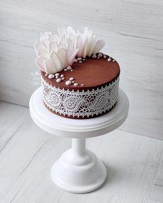 """3,869 Likes, 49 Comments - ⠀⠀Выпечка с Душой и Юмором (@juso.cakes) on Instagram: """"Заждался этот тортик что-то своей публикации Внутри у него благородный шоколад и сладкое сердечко…"""""""