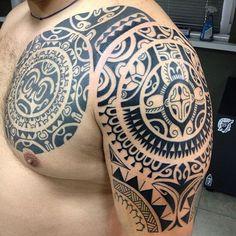 Maori Tattoos in Neuseeland Maori Tattoos, Samoan Tattoo, Tribal Tattoos, Polynesian Tattoos, Tattoo Motive, Arm Tattoo, Sleeve Tattoos, Shoulder Tats, Great Tattoos