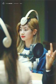 Just don't let Dahyun get bored Nayeon, K Pop, Kpop Girl Groups, Korean Girl Groups, Kpop Girls, Meme Faces, Funny Faces, Mbti Type, Rapper