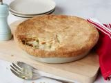 The Pioneer Woman : Fill the Freezer - Chicken Pot Pie, Sour Cream Noodle Bake, and Carrot-Thyme Soup with Cream
