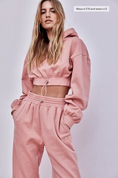 Loungewear Set, Teenager Outfits, For Love And Lemons, Active Wear For Women, Comfortable Fashion, Cropped Hoodie, Sport Outfits, Female Models, Lounge Wear