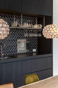 House Interior Design - New ideas Kitchen On A Budget, New Kitchen, Vintage Kitchen, Black Kitchens, Home Kitchens, Kitchen Interior, Interior Design Living Room, Küchen Design, House Design
