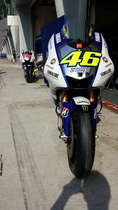 Valentino Rossi's Yamaha, 2013