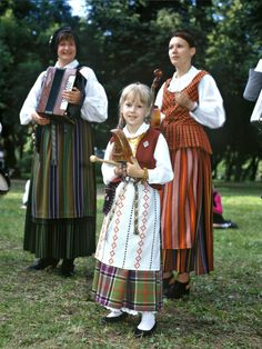 Lithuanian traditional costumes #lithuania #beauty