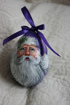 This Purple Santa was painted on a egg gourd. Christmas Rock, Purple Christmas, Christmas Crafts, Christmas Tables, Coastal Christmas, Painted Ornaments, Santa Ornaments, Hand Painted Gourds, Decorative Gourds