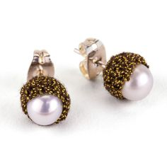 JJ Caprices - Pearl Stud Earrings by Atelier Godolé