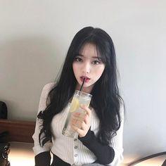 Imagem de girl, ulzzang, and asian Ulzzang Korean Girl, Cute Korean Girl, Asian Girl, Korean Makeup, Korean Beauty, Asian Beauty, Ulzzang Girl Fashion, Natural Eyebrow Tutorial, Korean Bangs