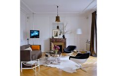 The Secrets of French Decorating & the Most Beautiful Paris Homes (=)