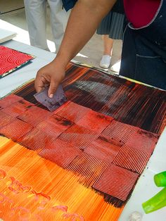 This blog shows how to make paste paper Basket weave pattern