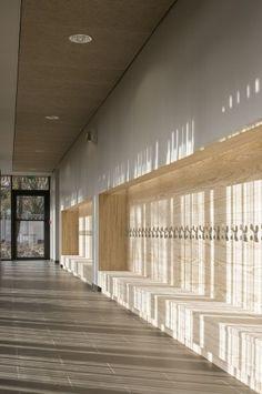 Gallery of Ecole Maternelle La Venelle / Gaetan Le Penhuel Architectes - 4 - Kindergarden Education Architecture, Interior Architecture, Ancient Architecture, Sustainable Architecture, Landscape Architecture, Design Maternelle, Dance Studio Design, Ecole Design, Kindergarten Design