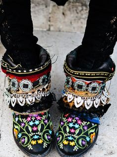 Diy botas bordadas boho