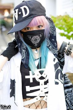 Vanitytours: This is Senanan, the fashion designer behind the indie Japanese fashion brand Qiss Qill. She has lilac and blue hair, with a FRESH.AM cap, a bandana and a face mask from her own label. Mode Harajuku, Estilo Harajuku, Harajuku Girls, Harajuku Fashion, Kawaii Fashion, Lolita Fashion, Harajuku Style, Tokyo Street Fashion, Tokyo Street Style