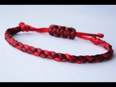 "How to Make a ""Common Whipping Knot"" Paracord Survival Bracelet/Common Whipping Sliding Knot - YouTube"