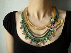 Collar de ganchillo con cuentas: Humboldtia Brunonis  collar