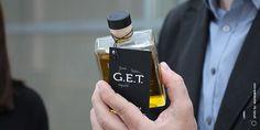 Μονοποικιλιακό εξαιρετικό παρθένο ελαιόλαδο G.E.T. [Greek Exquisite Tastes] χαμηλής οξύτητας από Κορωνέικη ποικιλία.