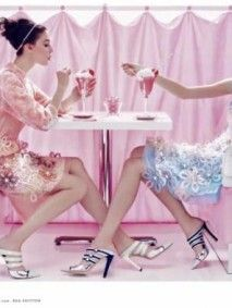 Louis-Vuitton-Advertising-Campaign-for-Spring-Summer-2012-3
