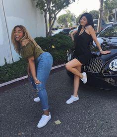 Imagen de kylie jenner, jordyn woods, and kardashian Kendall Jenner Outfits, Style Kylie Jenner, Kylie Jenner Fotos, Trajes Kylie Jenner, Kyle Jenner, Kendall And Kylie Jenner, Estilo Jenner, Camila Morrone, Jenner Sisters