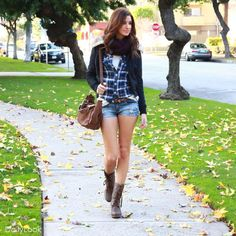 Relaxed Western Casual Look by Ashley, In Style, and Machine