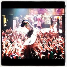 Real crowd surfing #crowdsurfing #slightlystoopid #pro #concerts - photo credit @haagendazs16