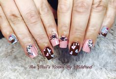 Valentine day nails 🎀 #thenailsroom #uñas #uñasacrílicas #uñasdecoradas #nails #acrylicnails #instanails #valentinesnails #crystals #nailsoftheday #squarenails #nailitdaily #prettynails #nailprodigy #heartnails #3dnails #cupcakenails #sweetnails #shortnails #pinknails #brownnails #lovelynails #dainty #handpaintednailart #nailsofinstagram