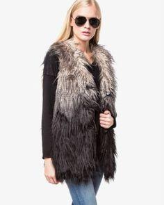 Ce zici de o vesta blana artificiala femei? Fur Coat, Casual, Jackets, Fashion, Jacket, Down Jackets, Moda, Fashion Styles, Fashion Illustrations