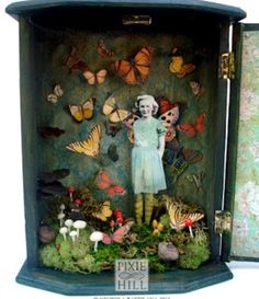 Diorama! Gorgeous! My new obsession for today! I think I'm in third grade all over again....lol!