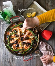 A scrumptious step by step recipe, with an authentic approach to wood fire Grilled Seafood Paella Valenciana simply delicious! Grilling Recipes, Seafood Recipes, Dinner Recipes, Fire Grill, Seafood Paella, Paella Recipe, Grilled Seafood, Lamb Chops, Sea Food