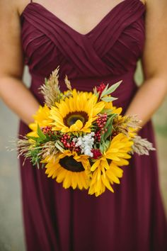 Awesome 101+ Country Rustic Sunflower Wedding Theme Ideas https://bitecloth.com/2017/07/18/101-country-rustic-sunflower-wedding-theme-ideas/