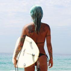 Resumo das férias: foto de costas porque tava olhando pro mar
