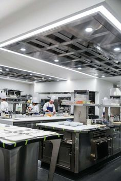 The new kitchen of the French Laundry. Photo: Gabrielle Lurie, The Chronicle Kitchen Art, New Kitchen, Kitchen Dining, Kitchen Ideas, Kitchen Inspiration, French Laundry Restaurant, Restaurant Kitchen, The French Laundry, Professional Kitchen