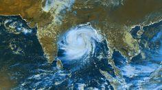 Cyclone Phailin de classe 5  (11/10/2013 08h00 UTC – Satellite METEOSAT7)