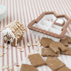 Amazon.com: Sweet Creations 3D Mini Gingerbread House Cookie Cutter Kit: Kitchen & Dining